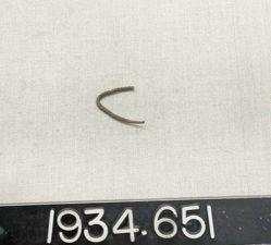 Bracelets and bracelet fragments; Earrings and earring fragments