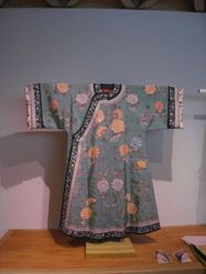 Coat with peony pattern
