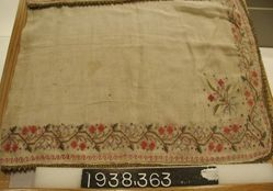 Kerchief of plain cloth, embroidered