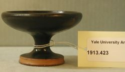 Black-glazed kylix without handles