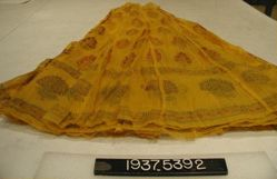 Skirt of cotton cloth with wax painted design