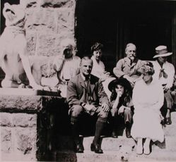 Group of people known to Katherine Dreier [people and location unknown]
