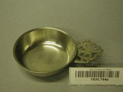 Porringer-basin