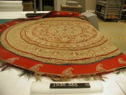 Circular table cover of mosaic embroidery