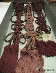 Six knotted cords with tassels: Shudara