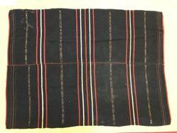 Woman's Blanket (Hnem Rang)
