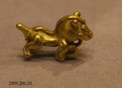 Small zoomorphic pendant
