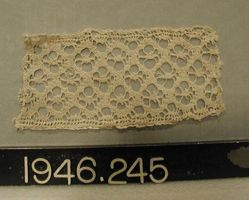 "Length of coarse ""torchon"" lace"