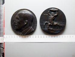 Bronze Medal from Germany of Naval Commander Graf zu Dohna-Schlodien
