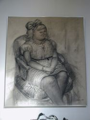Nena Sentada