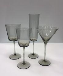 """Sample glassware, """"Dalton Smoke"""" pattern"""