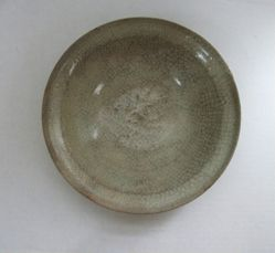 Bowl with gray glaze