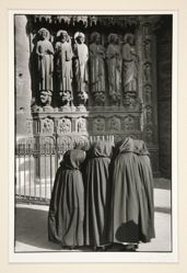 The Three Nuns - 1953 Paris