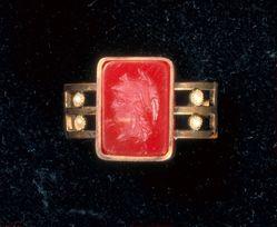 Brooch or posy holder