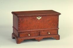 Table chest with drawers