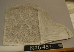 Cap of Muslin and machine made lace