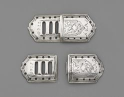 Pair of two-part buckles