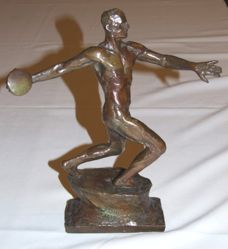The Upright Discus Thrower