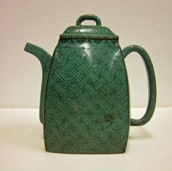 Teapot with Lattice Pattern and Bamboo