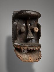 Mask with hinged Jaw (Bugle)