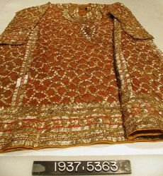 Coat of silk with tinsel applique