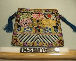 Bag of embroidered gauze made up of manderin squares