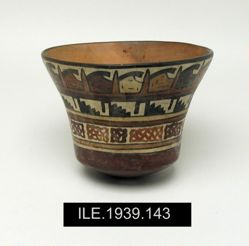 Deep round-bottomed cup or bowl