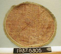 Round mat of interlocking tapestry