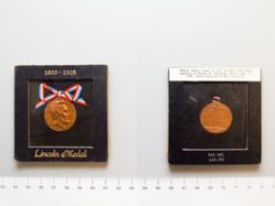 Centennial medal of Abraham Lincoln