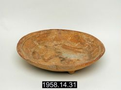 Tripod plate with figural paintings